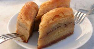 カルディやコストコで買える? トルコの伝統菓子「バクラヴァ」の歴史やレシピをご紹介!