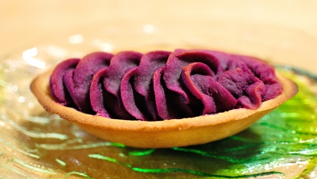 【2021最新】紅芋、紫芋、鳴門金時芋…!送料無料のおすすめ「芋タルト」・3選