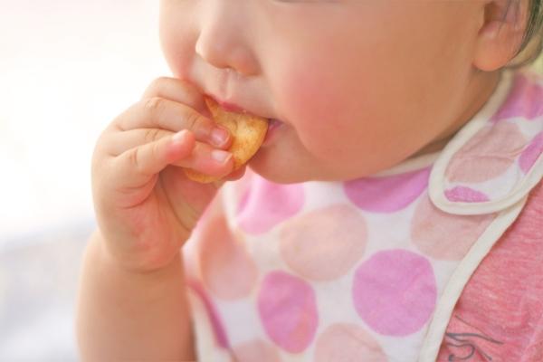 無添加クッキー、ビスケット…!離乳中の赤ちゃん向けのお菓子・5選