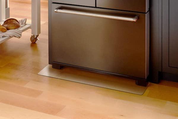 ニトリやヤマダ電機で買える?おすすめのキズ防止用「冷蔵庫下マット」・5選